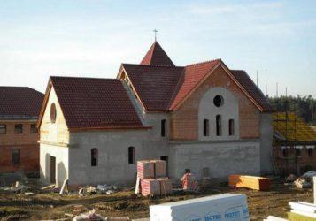 Policani-Chiesa in costruzione