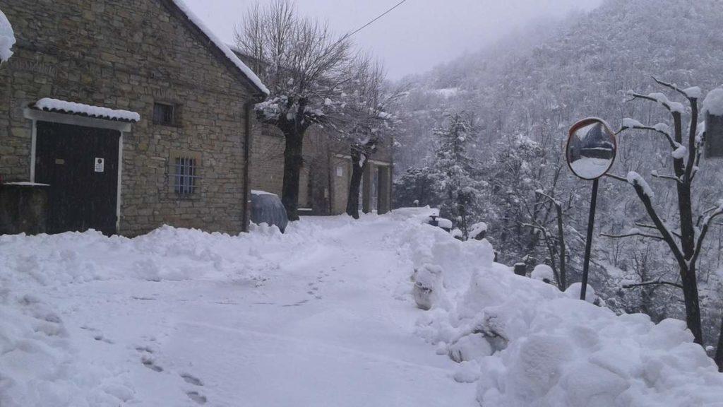 Porta dell'eremo, accanto alla chiesa